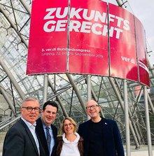 BMin Hubertus Heil (SPD), mit den Sprechern des ver.di AK Zoll Andreas Gallus und Stefan Adamski sowie Hanna Binder (ver.di-Baden-Württemberg) auf dem ver.di-Bundeskongress in Leipzig