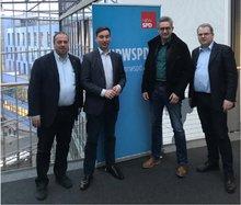 Foto: Arno Kaminski, Leiter des LAK Bundesfinanzverwaltung NRW; MdB Sebastian Hartmann; Winfried  Weckert, Mitglied LAK Bundesfinanzverwaltung NRW; Markus Stratmann, Gewerkschaftssekretär FB06